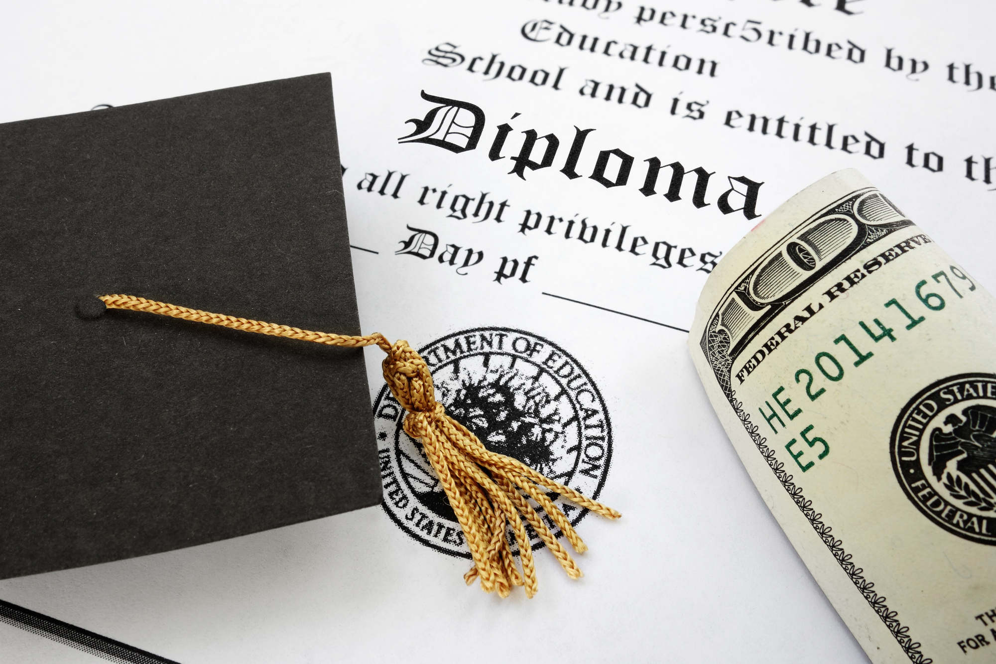 Faking It For Real: 6 Great Reasons Why You Might Need A Fake College Diploma